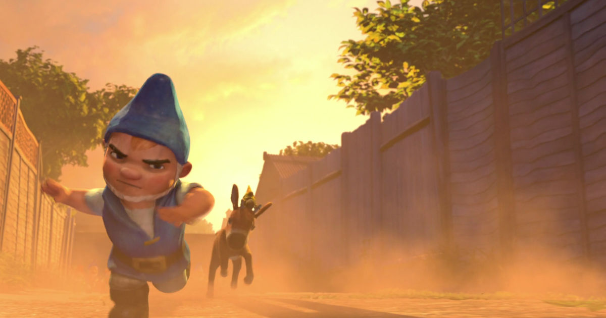 Funday - 10 Struggles Of Being A Tiny Person, According To Gnomeo And Juliet! - 1007