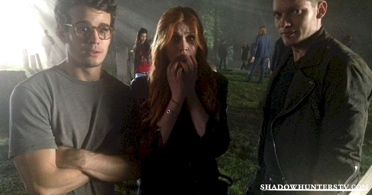 Shadowhunters - [EXCLUSIVE PHOTO] Caption This! - 1002