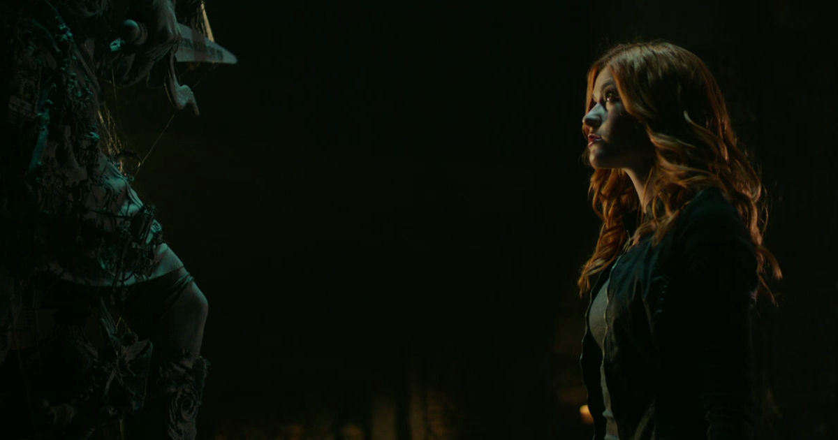 Shadowhunters - Season 2 Update: Clary Has Gone Rogue In This Brand New Trailer! - 1006