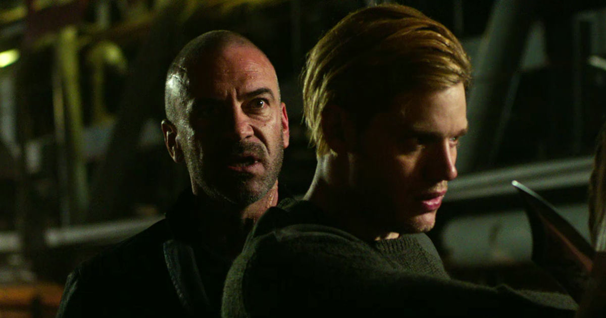 Shadowhunters - Season 2 Update: Clary Has Gone Rogue In This Brand New Trailer! - 1003