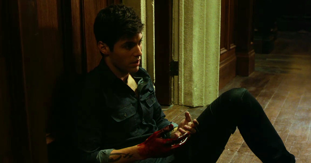 Shadowhunters - Jace Is In Prison And Alec Is Covered In Blood In This New Trailer For S2E4!  - 1011