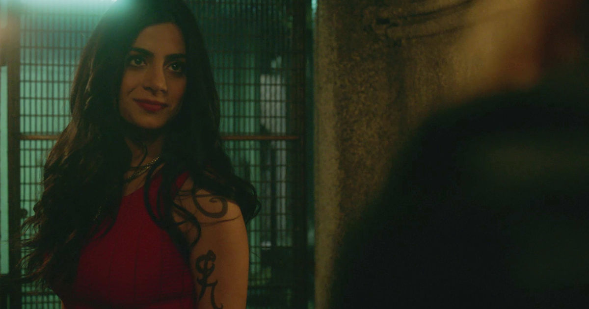 Shadowhunters - 9 Crazy Details You Might Have Missed In S2E4 - 1009